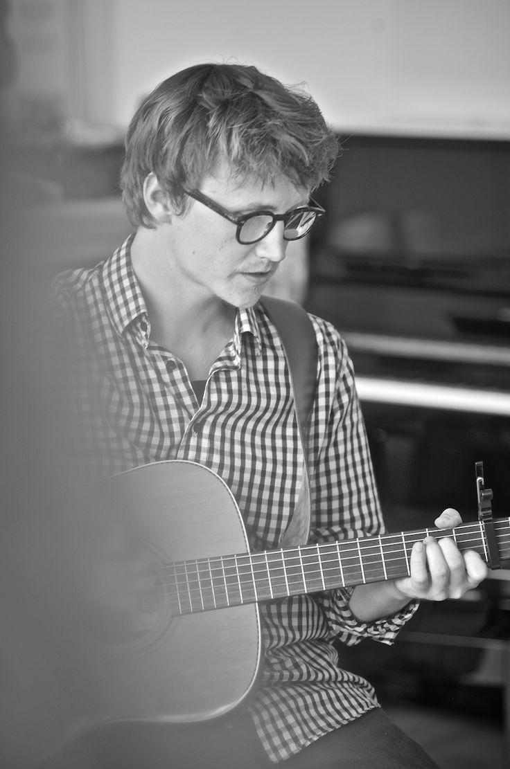 Mikkel Julius playing