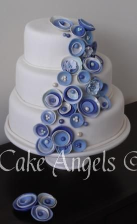 Sea Shell inspired Wedding Cake