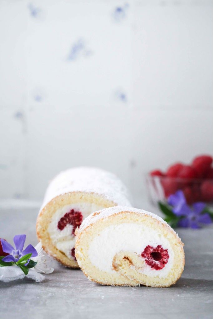 raspberry swiss roll with curd filling