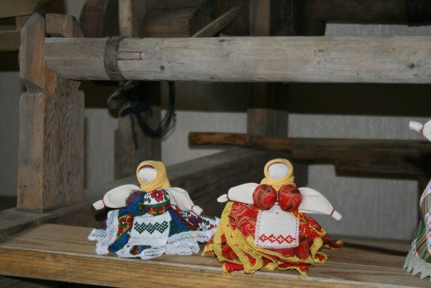 Folk Dolls with a certain story behind! Different types of folk dolls are also available on Beetroom.