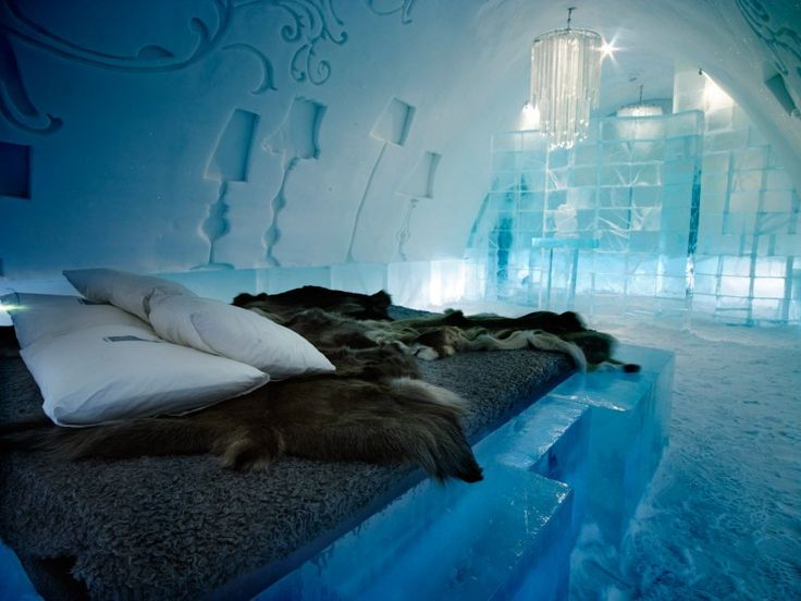 Even though I'm freezing all the time, I admit that I'm completely fascinated with the ice hotel. I'll have to go sometime!