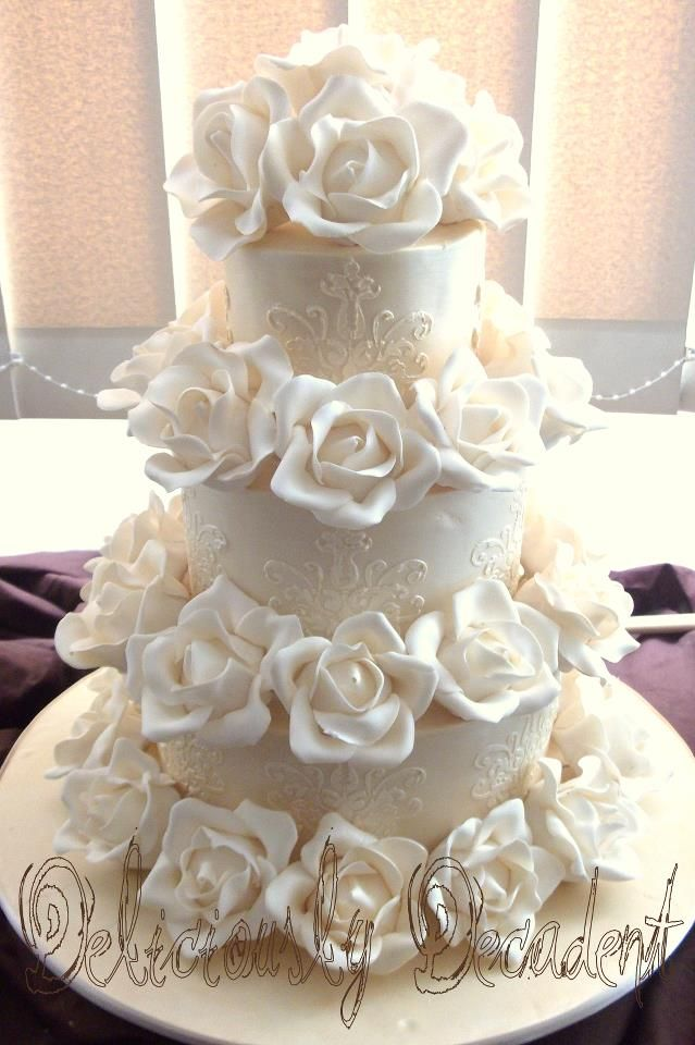 Beautifully Embellished Wedding Cakes