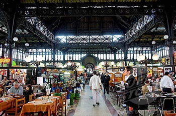 Mercado Central- Santiago, THE place for fresh Chilean King Crab! washed down with a bottle of white.