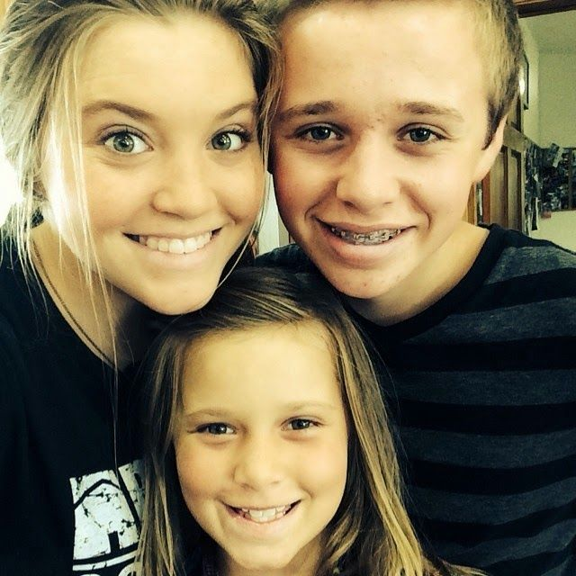 Duggar Family Blog: Updates and Pictures Jim Bob and Michelle Duggar 19 Kids and Counting: Duggars Head to the Beach