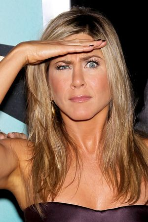 Jennifer Aniston wows in strapless dress at 'We're the Millers ...