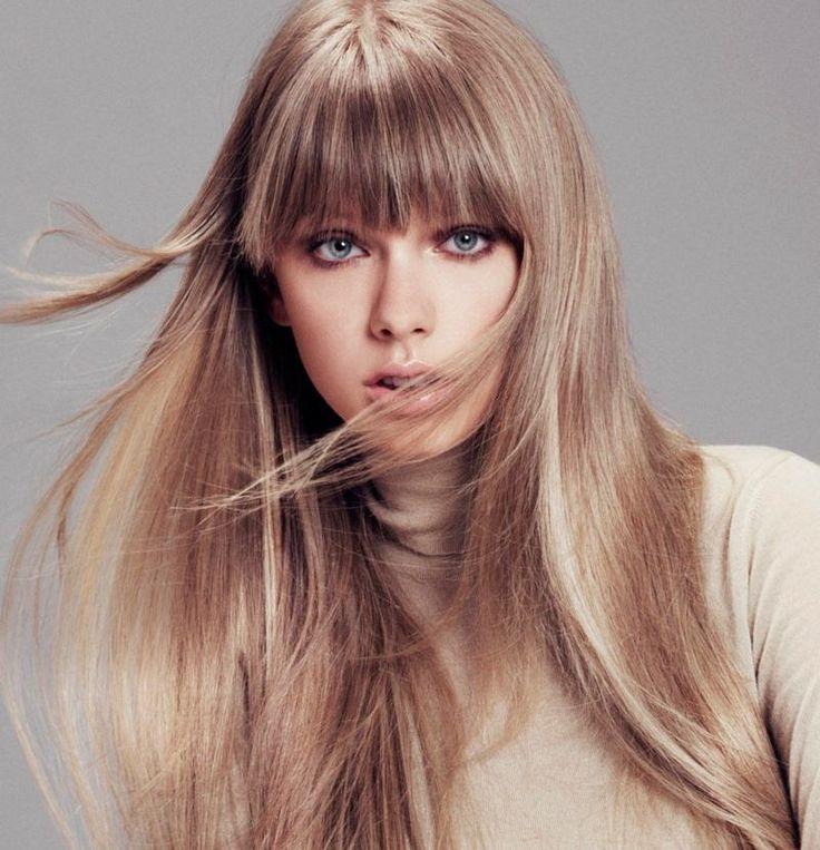Schicke Frisuren - Glatte Haare mit Pony