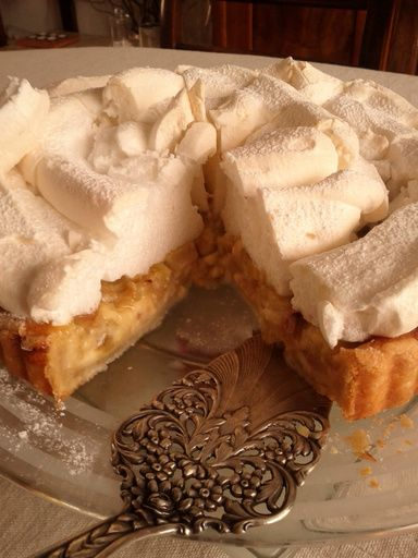 Tarte à la rhubarbe meringuée alsacienne - Recette de cuisine Marmiton : une recette