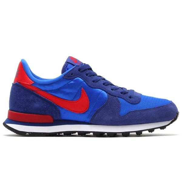 Sepatu Casual Nike Internationalist 631754-401 merupakan sepatu yang ringan dengan design yang ramping ini memiliki outsole grip yang nyaman digunakan untuk berjalan. Harga sepatu ini Rp 749.000.