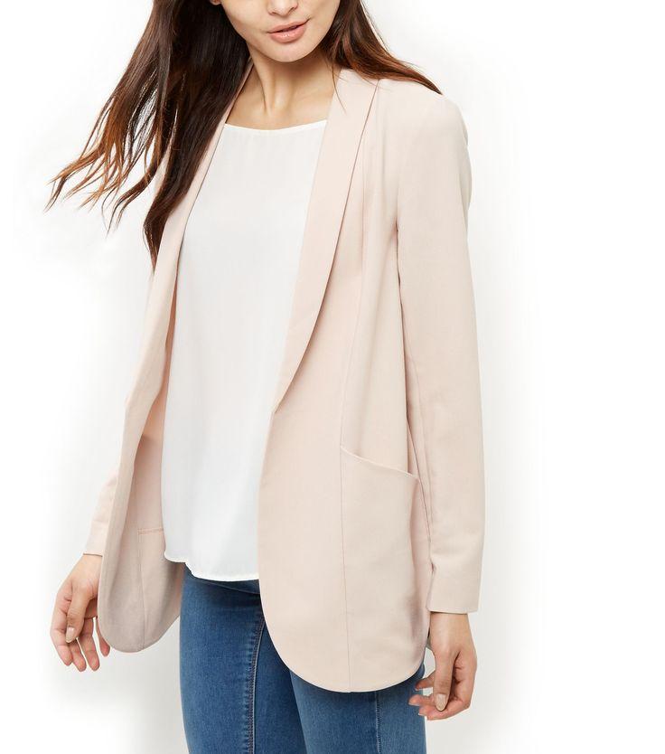 17 meilleures id es propos de blazers roses sur pinterest veste rose tenues de vestes roses. Black Bedroom Furniture Sets. Home Design Ideas