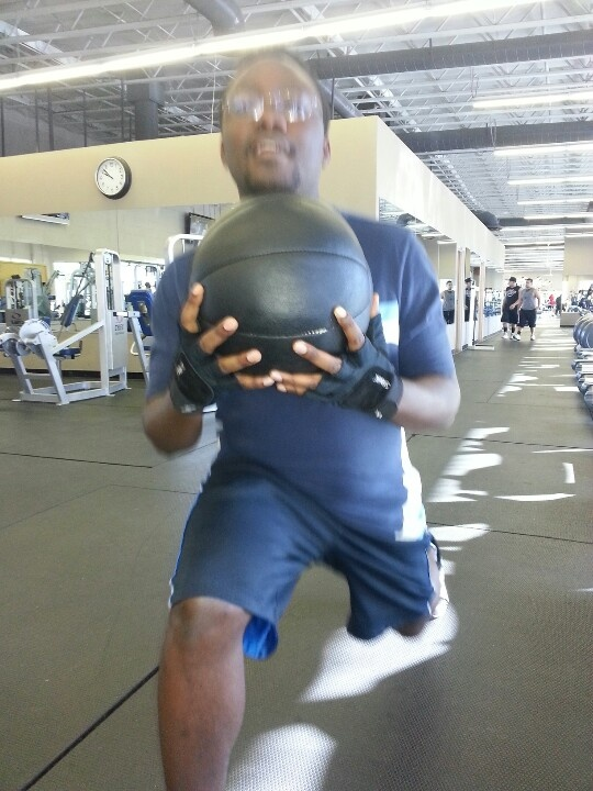 Ralf lunging it out with a 12 lbs medicine ball... Get it! :-)