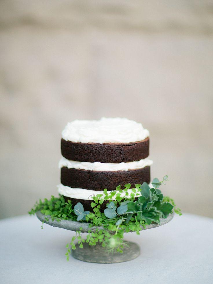 Simple chocolate naked cake