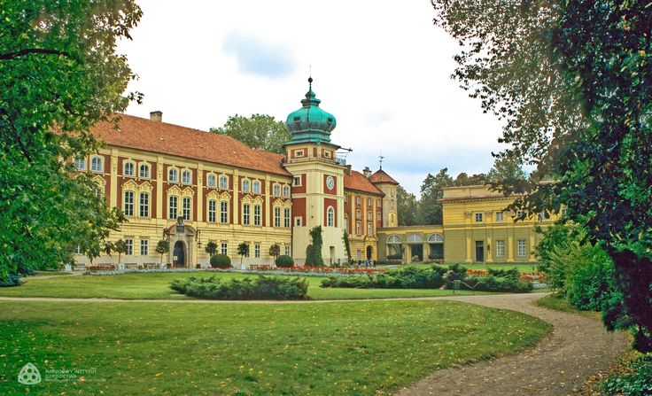 The castle in Łańcut is one of the largest landed estates in Poland. The status of the castle and its successive owners (Lubomirski and Potocki families) is evidenced by frequent visits of representatives of renowned aristocratic families and major cultural events organized in Łańcut. Erected in the first half of the 17th century, the residence was rebuilt many times over the centuries, under the direction of outstanding Polish and foreign artists. Narodowy Instytut Dziedzictwa, CC-BY-SA