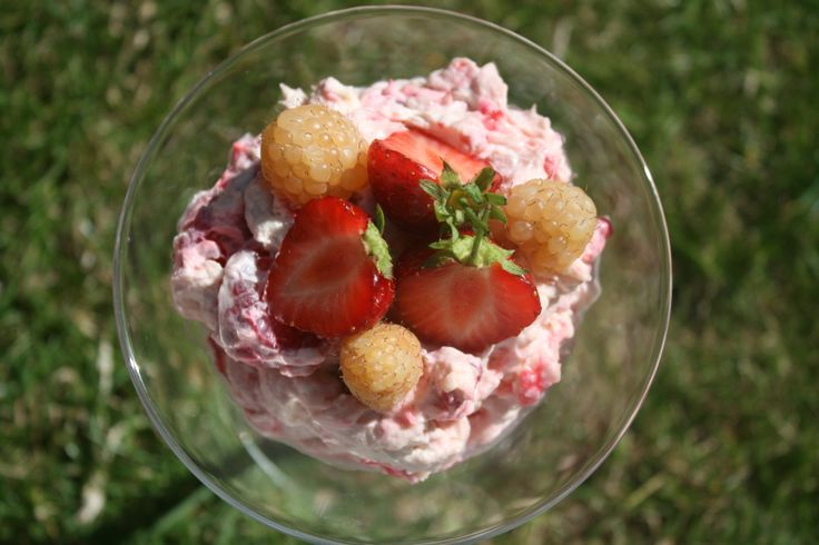 Eton mess dessert, Eton mess and Desserts on Pinterest