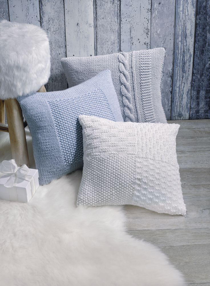 25 best ideas about knitted cushions on pinterest. Black Bedroom Furniture Sets. Home Design Ideas