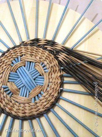 Картина панно рисунок Плетение Панно 40 см Спиральное плетение + Мастер-класс Бумага газетная Трубочки бумажные фото 9