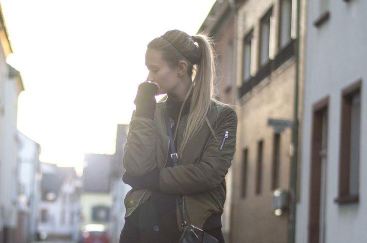 Dress: Halló mánudagur! – BELLE | Allt milli himins og jarðar #style #fashion #clothes #outfit #jacket #bomber #michael #kors