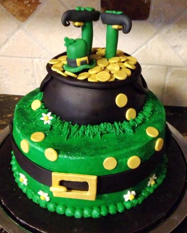 St. Patricks Day cake... - Buttercream and fondant details....
