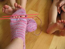 the blue blog patterns: alison's ankle socks. VERY different way to do the toes!