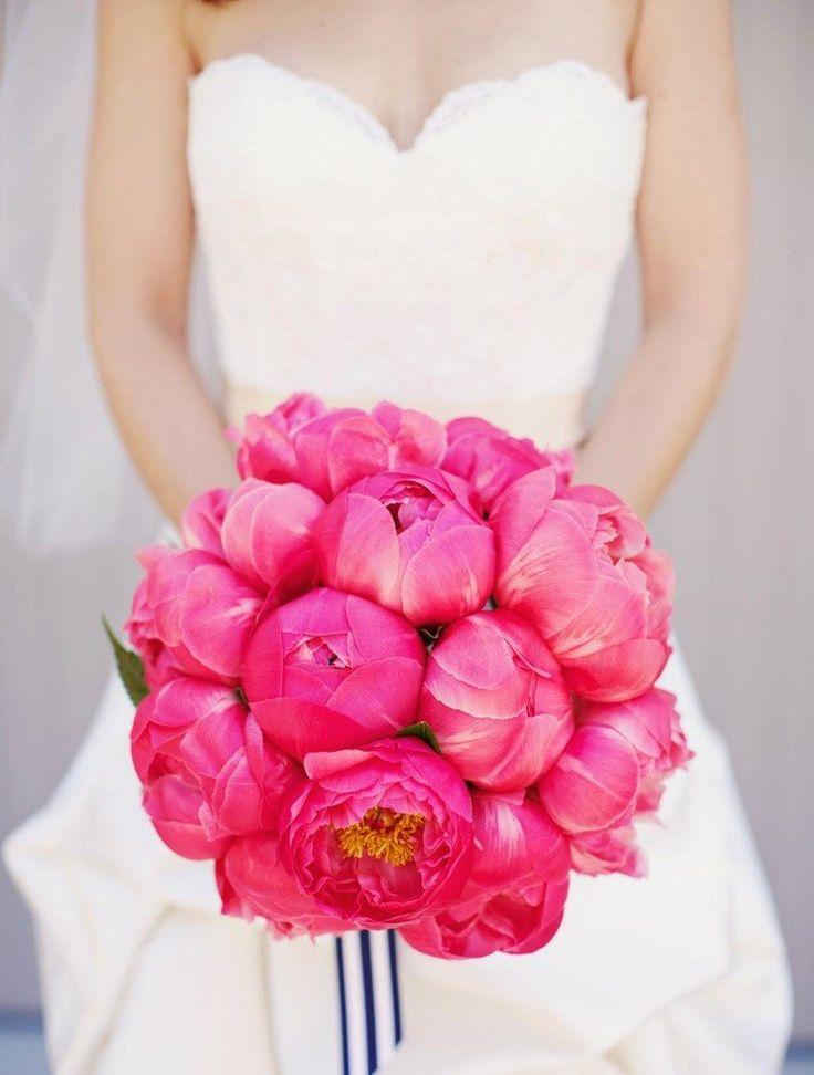 Découvrez quelle était la fonction du bouquet de mariée dans le passé, quelle est la signification de chaque fleur et 100+ des meilleures idées de bouquet