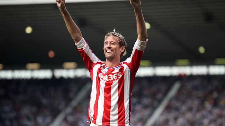 Breaking news – Peter Crouch to stay with Stoke until 2019 #News #Football #MarkHughes #PeterCrouch #PremierLeague
