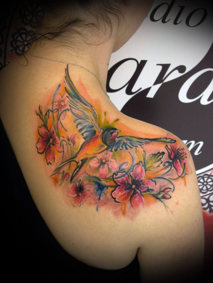 #ink #inked #tattoo #tattooartist #color #colorfull #colortattoo #backpiece #bird #flowers #birdandflowers #swallow #swallowtattoo #watercolor #watercolortattoo #studio #bardo #studiobardo
