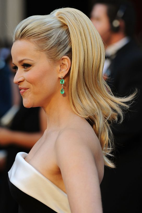 Reese Witherspoon Retro Hair updo
