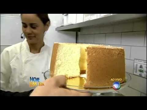 Direto da padaria: Edu mostra como fazer um bolo caseiro tradicional - YouTube