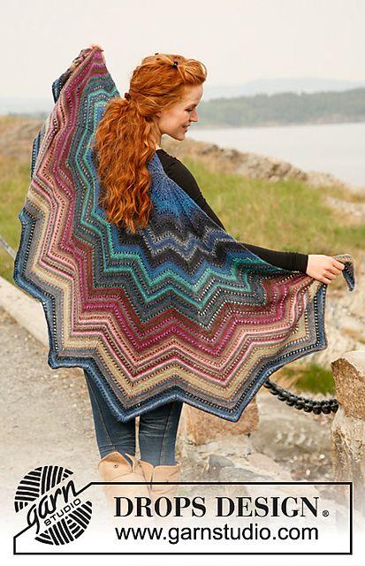 """""""Butterfly Dreams"""" - Shawl in Delight pattern by DROPS design #free_pattern <3 Le tricot c'est aussi une histoire de couleurs...."""