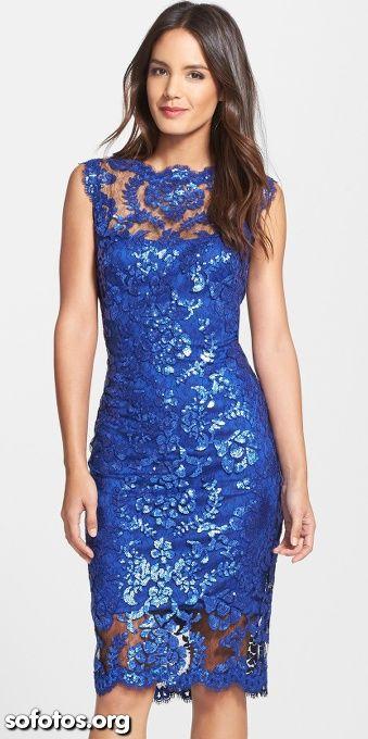 Vestidos de festa longuete azul de renda