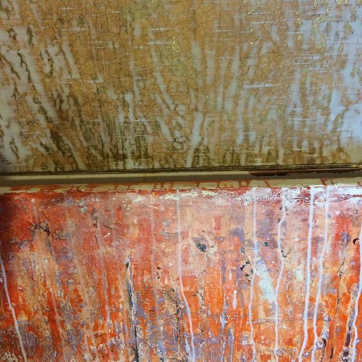 Два фона в самом начале пути. Золотой фон очень красивый. Но проблема в том что Борис делает потрясающие фоны но закончить их никак не может. Кризис художника. #abstract #art #contemporary #artwork #artist #rgood #fon #фон #elislisart #фон #масло #акрил #арт #холст #современноеискусство #художник