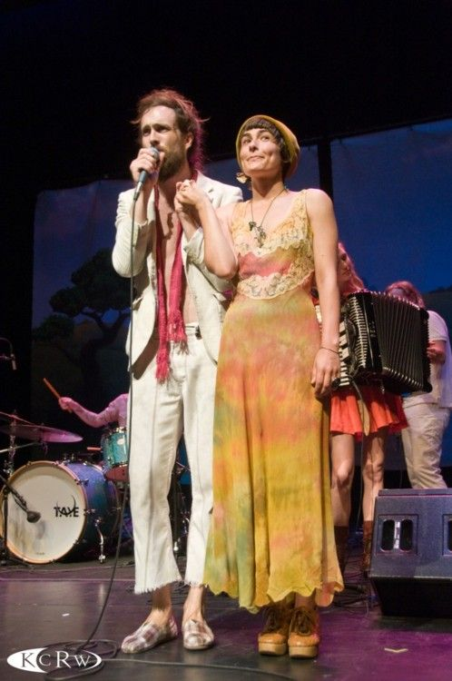 Alex Ebert and Jade Castrinos of Edward Sharpe and the ...