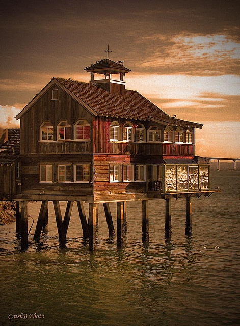 The Pier Cafe by San Diego Bay | World clock, time zone, weather, astronomy and more at: www.thetimenow.com