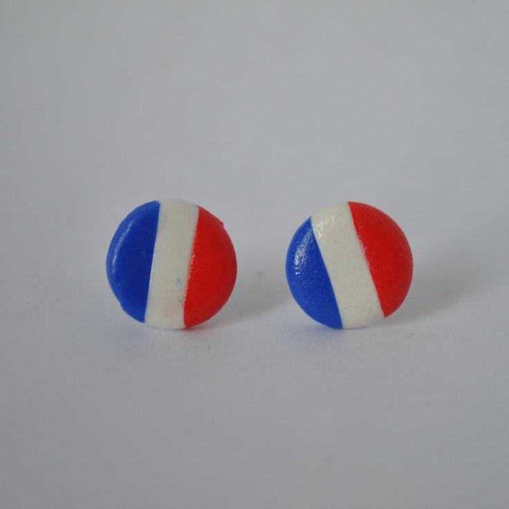 boucles d'oreilles clous drapeau de la France ou Pays bas :)  couleurs bleu, blanc, rouge faites main en polymère fimo de la boutique EMBOUTIQUEE sur Etsy