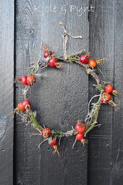 Rose hip wreath  seidenfein 's Dekoblog