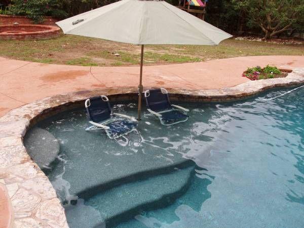 Baja Shelf Tanning Ledge W Umbrella Gray Gunnite With