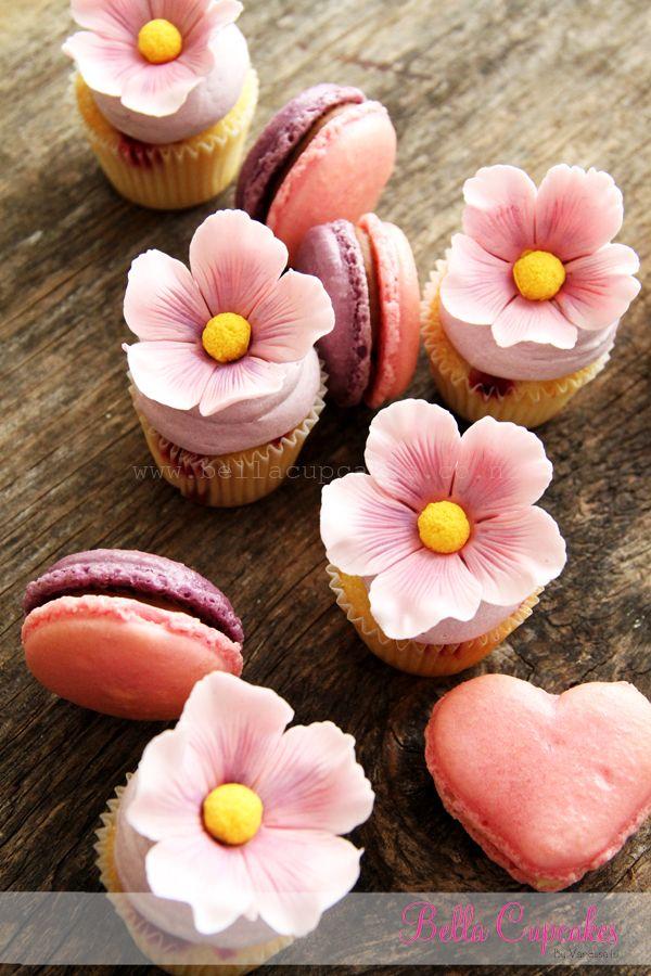 Bella Cupcakes: How to make a blossom flower
