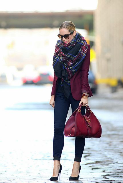 berry tones: Color, Street Style, Plaid Scarfs, Fall Outfits, Fall Fashion, Outfits Ideas, Scarves, Burgundy Blazers, Bags