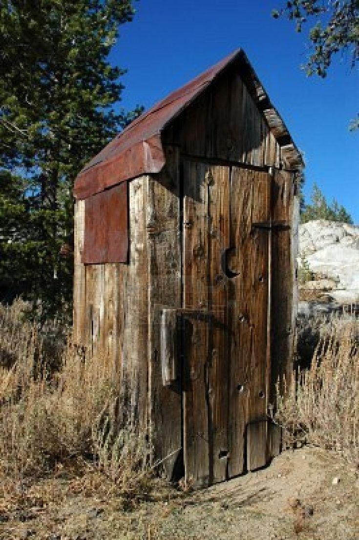 Rusty wood outhouse outhouses pinterest for Outhouse pictures