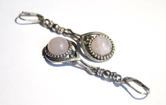 Rozekwarts oorhangers sterling zilver geoxideerd door Draadjuwelen