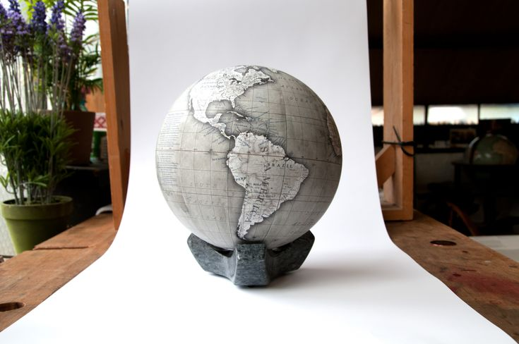 Small Desk Globes - Wall Decor Ideas for Desk Check more at http://www.gameintown.com/small-desk-globes/