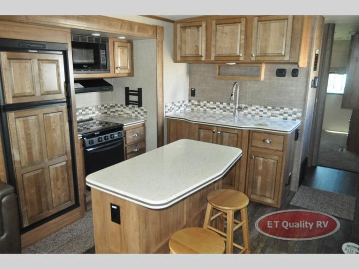 New 2018 Forest River RV Rockwood Signature Ultra Lite 8329SS Travel Trailer at ET Quality RV | Yuba City, CA | #RW-879409