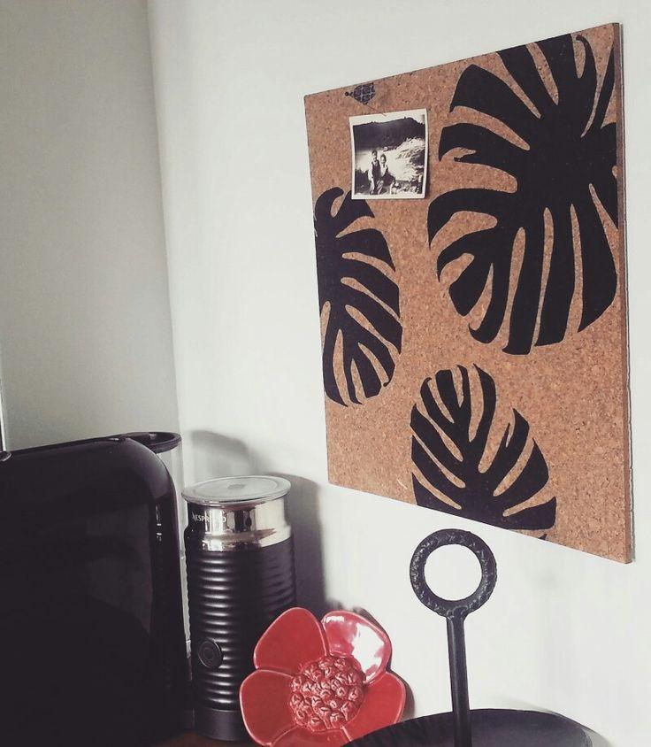Monstera leaf cork pinboard