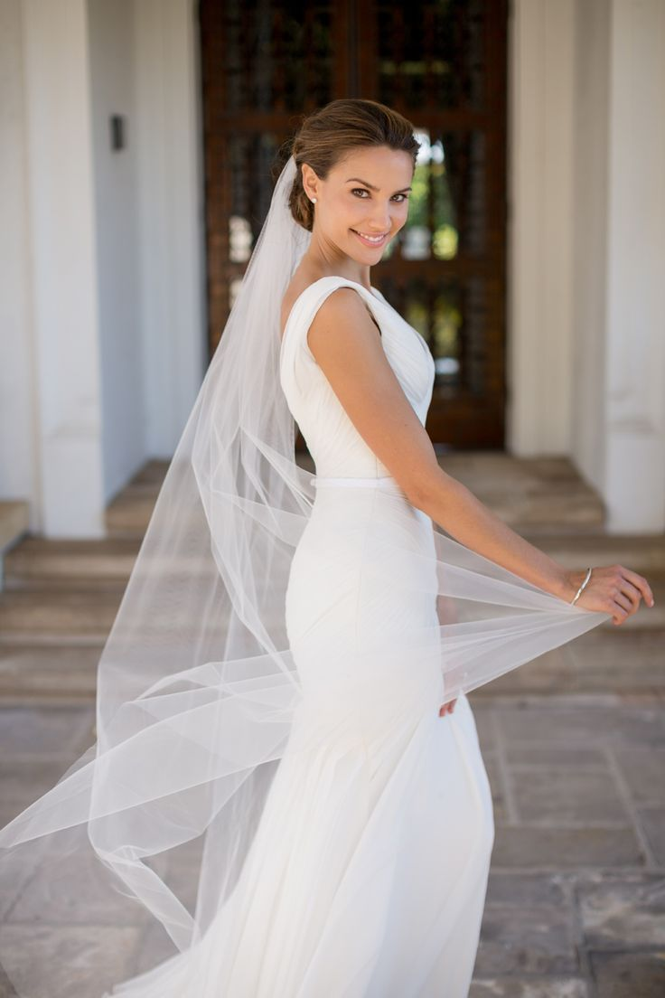 The most gorgeous dress I've ever seen on the beautiful Rachael Finch! Photo - www.jamesday.com.au