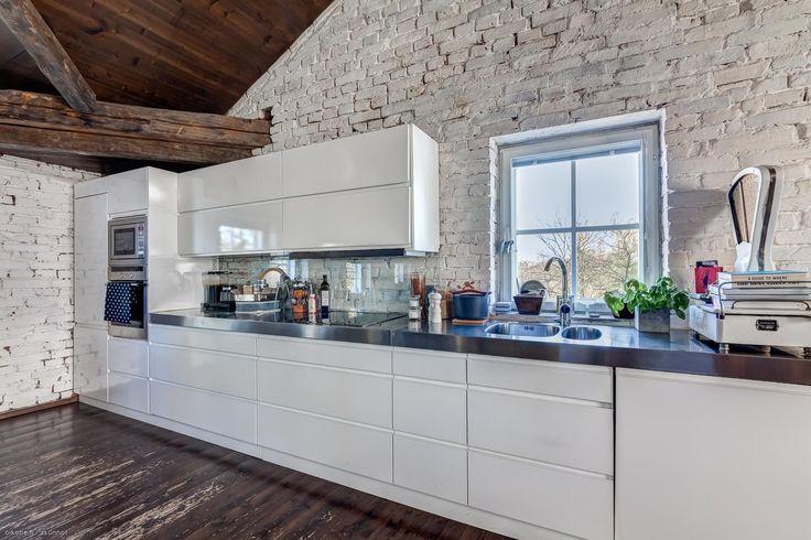 Myytävät asunnot, Bäckbyntie 2b, Vantaa #oikotieasunnot #keittiö #kitchen #loft