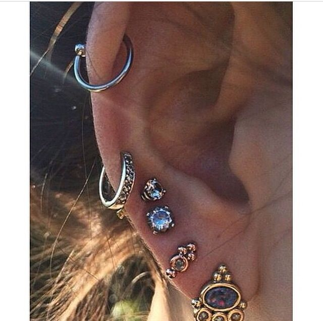 pinterest//hateuandurbrows #bijoux #colliers #braceletsfantaisie #cadeauxbijoux…