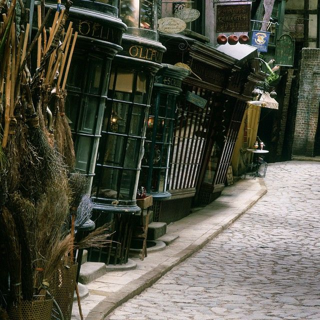 """""""In the Muggle world, any building with such a gravity-defying lean would simply fall over!"""" - Stuart Craig, Production Designer #HarryPotter"""