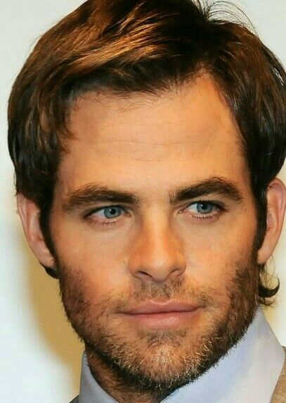Chris Pine, love his look there