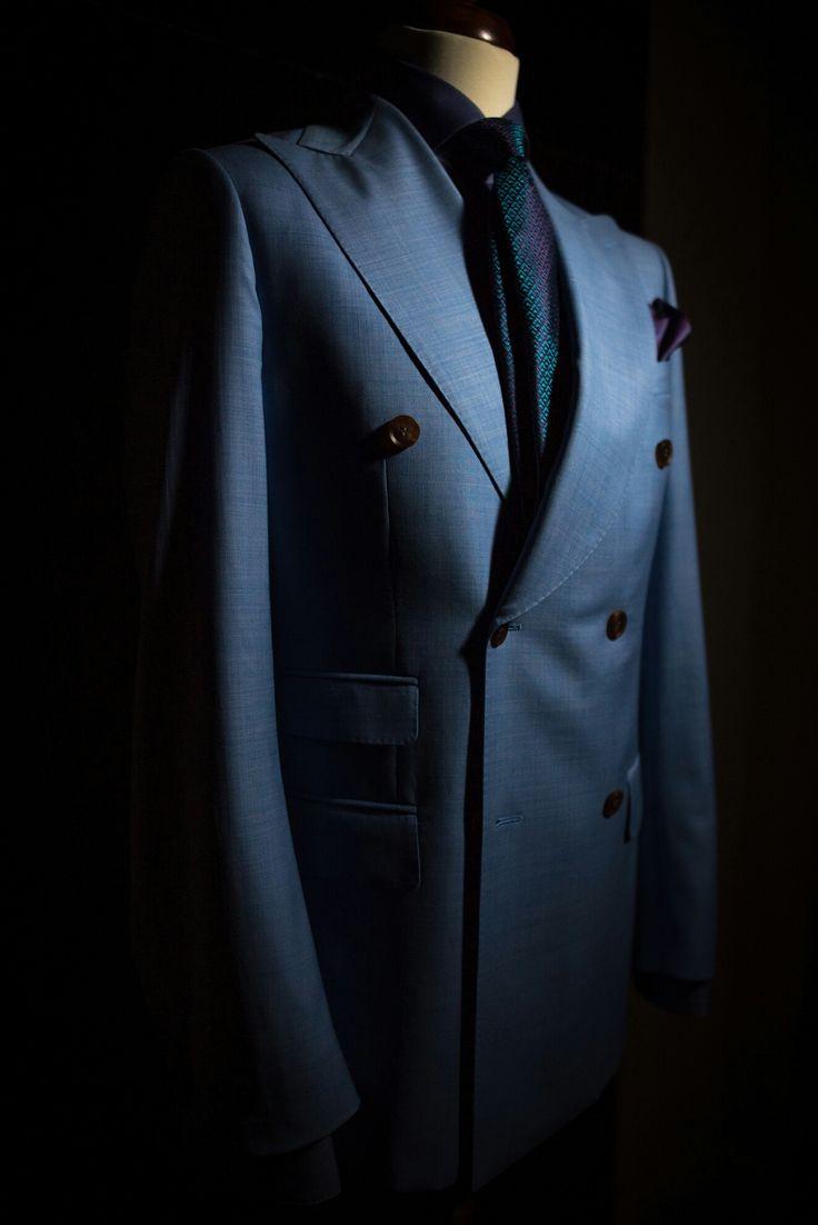 Artizan bespoke double breasted summer suit #morethanasuit @artizanimage