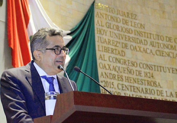 Propone Carol inscribir nombre de Demetrio Vallejo en muros de honor del Congreso del Estado