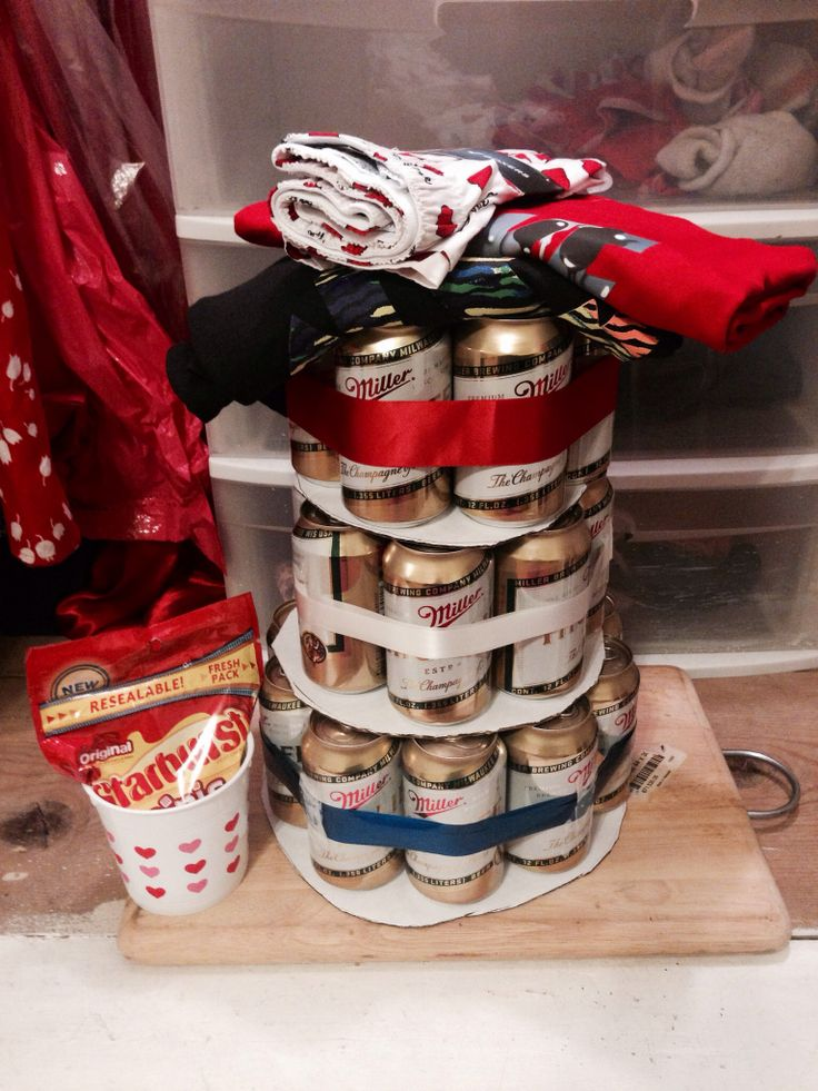 Valentines day gift idea for my boyfriend: beer cake  some clothes❤️
